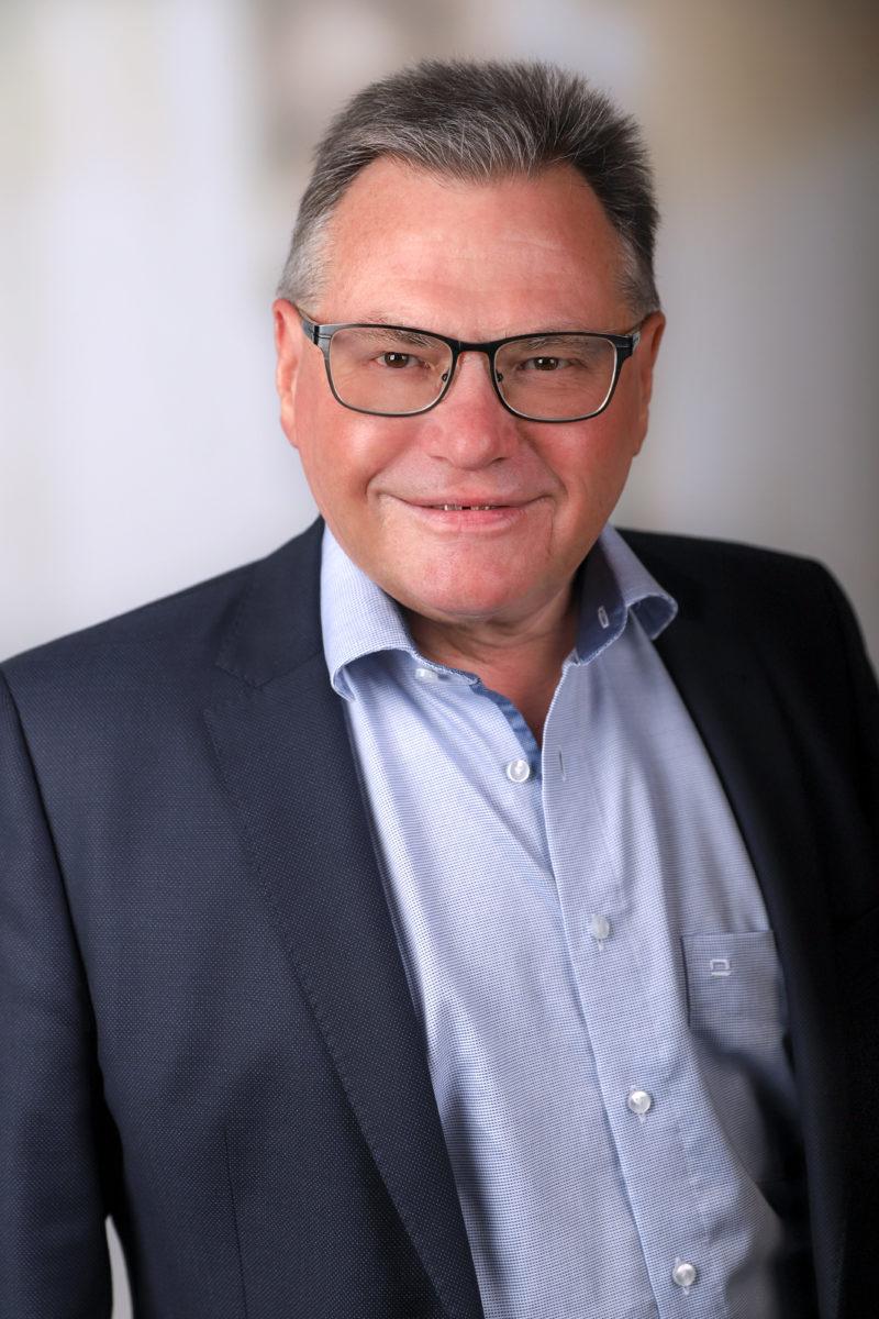 Wolfgang Kölz